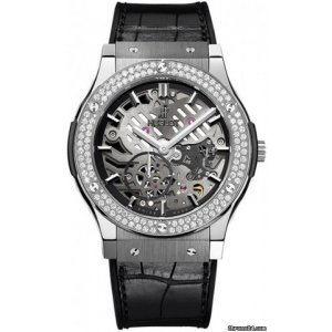 HUBLOT [NEW] CLASSIC FUSION AEROFUSION TITANIUM DIAMONDS MOON PHASE (Retail:EUR 22100)