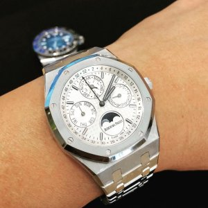 AUDEMARS PIGUET [NEW] ROYAL OAK PERPETUAL CALENDAR 26574ST.OO.1220ST.01 WHITE DIAL