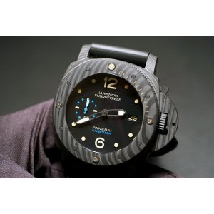 Paneral NEW-全新 PAM 616 LUMINOR SUBMERSIBLE 1950 CARBOTECH™ 3 DAYS (Retail:HK$123,900)