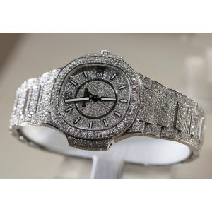 Patek Philippe NEW 7021/1G-001 White Gold Ladies Nautilus