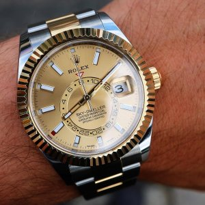 Rolex [NEW 2018 MODEL] Sky-Dweller 326933 Champagne Dial Mens Watch
